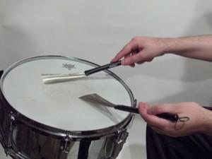 Apprendre à jouer les balais à la batterie